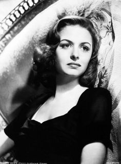 Donna Reed (January 1921 – January an American film and television actress and producer. Old Hollywood Stars, Old Hollywood Glamour, Vintage Hollywood, Classic Hollywood, Classic Actresses, Female Actresses, Hollywood Actresses, Actors & Actresses, Hollywood Icons