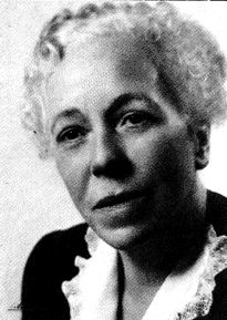 Karen Horney (1885-1952):  After arriving in the U. S. from Germany, she became assitant director of the Chicago Institute of Psychoanalysis.  She was forced out of the New York Psychoanalysis Institute for rejecting Freud's view that women were disadvantaged because of their anatomy.  She established the Association for the Advancement of Psychoanalysis, the first independent school of psychoanalysis founded by a woman.