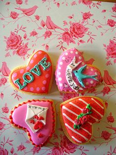 valentine's cookie by Lynette of Nice Icing