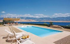Holiday home Bosana bb I Pag Set in Pag, Holiday home Bosana bb I is a holiday home boasting an outdoor pool. Guests benefit from terrace. Free private parking is available on site.  The kitchen features a dishwasher, a microwave and a fridge and there is a private bathroom.