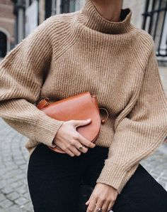 Turtleneck, knit, winter, outfit, street style, crossbody, inspiration