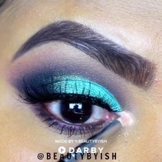 makeup video How to Get a Blue Cut Crease . How to Get a Blue Cut Crease Makeup Inspo, Beauty Makeup, Hair Makeup, Hair Beauty, Eyebrow Makeup, Makeup Brush, Makeup Remover, Beauty Tutorials, Beauty Hacks