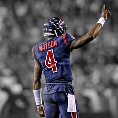 Is Deshaun the NFLs next big quarterback? And how far can he get the Texans down the road? . . . . . . . #deshaun #watson #deshaunwatson #deandre #hopkins #deandrehopkins #jadeveon #clowney #jadeveonclowney #whitney #mercilus #whitneymercilus #jj #watt #jjwatt #houston #texans #wearetexans