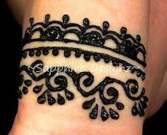 Wrap-around henna cuff Henna Style Tattoos, Tatoo Henna, Pretty Tattoos, Body Art Tattoos, Henna Art, Henna Designs For Kids, Beginner Henna Designs, Mehndi Designs, Hand Designs