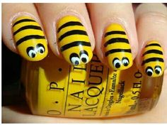 Flaunting animal themed nail art shows your wild side and it also depicts your love towards the animals or your pets. When we talk about animal nail art tutorial, it includes anything from leopard print nail arts to hell Animal Nail Art, Dot Nail Art, Cool Nail Designs, Acrylic Nail Designs, Bumble Bee Nails, Bumble Bees, Diy Nails, Cute Nails, Nails For Kids