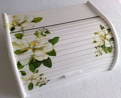 Home Crafts, Diy And Crafts, Bread Boxes, Decoupage Box, Graphics Fairy, Painted Boxes, Type 3, Stencils, Facebook