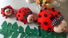 Joaninhas feitas com feltro e detalhes em botões, tecidos e fitas, todas feitas artesanalmente. Perfeitas para decoração de festa infantil com o tema joaninha e jardim.