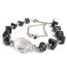 """collier réalisé en pierre cristaux de tourmaline noire, appelée également """"schorl"""" et chaîne argent 925."""