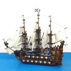 69 Lego Old Ships Ideas – How to build it Lego Pirate Ship, Lego Ship, Pirate Ships, Lego Boat, Big Sea, Amazing Lego Creations, Lego System, Lego Castle, Fantasy Castle