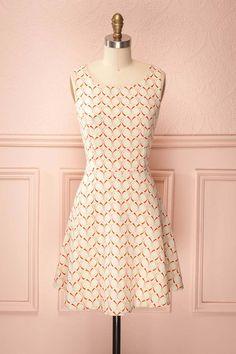 Marigold ♥ Cette robe tissée de vert pâle et d ivoire avec ses motifs  orangés 01f39aeef53