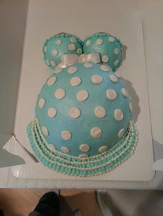 Love this cake! Baby shower idea for sure!