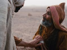 Free visuals: Jesus touches and heals a man with leprosy. (Matthew 8:1-4, Mark 1:40-45, Luke 5:12-16): Slide 8