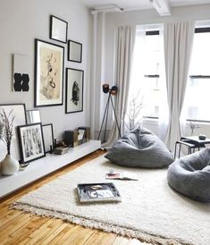 Home Decorating Style 2020 for 49 Elegant Apartment Living Room Decor Ideas On A Budget, you can see 49 Elegant Apartment Living Room Decor Ideas On A Budget and more pictures for Home Interior Designing 2020 1412 at Home To. Apartment Chic, Apartment Living, Korean Apartment, Apartment Ideas, Apartment Plants, Student Apartment Decor, Design Apartment, Home Decor Furniture, Diy Home Decor