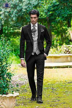 Traje de novio italiano a medida, en tejido new performance negro, chaleco a contraste modelo 1058 Ottavio Nuccio Gala colección Fashion 2015.