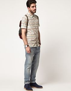 Shirt with Aztec Style; Indie Folk.