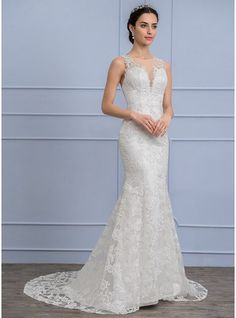 Trumpet/Mermaid Scoop Neck Court Train Lace Wedding Dress