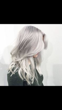 Hair Styles 2018 Silver blonde hair color by Marije @ Salon B, Almere Discovred by : Byrdie Beauty Silver Grey Hair, Silver Blonde, Gray Hair, Grey Blonde, Silver Ombre, Lilac Hair, Pastel Hair, White Hair, Ombre Hair