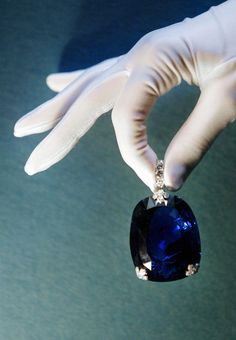 Queen Marie of Romania's Sapphire. The 478 carat sapphire was purchased by King Ferdinand of Romania for Queen Marie in Royal Jewelry, Gems Jewelry, Gemstone Jewelry, Jewelry Box, Jewelery, Fine Jewelry, Bullet Jewelry, Jewelry Necklaces, Sapphire Jewelry