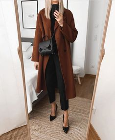 Sunday look 🖤 Outfit details 👇🏼 _____ Coat (Model: Riley in Rust) Basic Rollneck (old) Trousers Business Casual Outfits, Office Outfits, Classy Outfits, Chic Outfits, Work Outfits, Trendy Outfits, Winter Fashion Outfits, Work Fashion, Autumn Winter Fashion