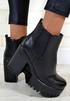 Rock these chunky platform ankle boots. Platform Ankle Boots, High Heel Boots, Heeled Boots, Shoe Boots, Shoes Heels, Pretty Shoes, Cute Shoes, Chelsea Ankle Boots, Chunky Boots