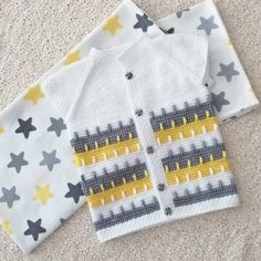 See How to Make a Crochet Carpet at Home! Girls Sweaters, Baby Sweaters, Drops Baby, Diy Crafts Crochet, Crochet Carpet, Crochet Bebe, Overall, Baby Knitting Patterns, Knitting Projects