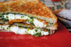Pesto Pizza Grilled Cheese #recipe #grilledcheese