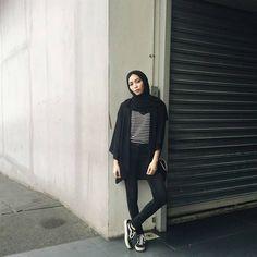 70 Ideas For Dress Hijab Casual Scarfs Hijab Casual, Ootd Hijab, Hijab Chic, Street Hijab Fashion, Muslim Fashion, Fashion Outfits, Style Fashion, Fashion Ideas, Fashion Black