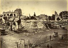 Paris 1871 La Commune Photo Alphonse Liebert. Le bâtiment d'origine de la gare d'Auteuil sera détruit en mai 1871 pendant la Commune, par les troupes Versaillaises, comme une grande partie du quartier.  https://www.facebook.com/johndorbigny/?fref=ts
