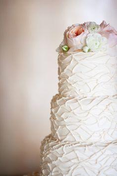 White detailed cake: http://www.stylemepretty.com/california-weddings/palos-verdes-estates/2014/05/03/la-venta-inn-summer-wedding/ | Photography: Ryon:Lockhart - http://www.ryonlockhart.com/
