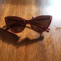 Vintage cat eye sunglasses ! Super cute cat eye sunglasses ! Brand new, never worn! Just was too much of a cat eye for myself ! Accessories Glasses