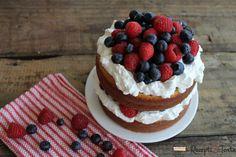 Torta sa šumskim voćem i jogurtom - Recept sa slikom Blueberry Yogurt Cake, Greek Yogurt Cake, Baking Recipes, Cake Recipes, Dairy Co, Rodjendanske Torte, Torte Recepti, Blue Cakes, Coffee Cake