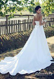 Andi csipke menyasszonyi ruha