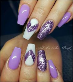 Semi-permanent varnish, false nails, patches: which manicure to choose? - My Nails Purple Acrylic Nails, Purple Nail Art, Purple Nail Designs, Acrylic Nail Designs, Nail Art Designs, Purple Glitter Nails, Pink Art, Purple Nails With Design, Nail Designs With Glitter