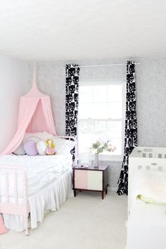 Undisputed Truth About Toddler Girl Room Makeover That the Experts Don't Want You to Hear Update your soft and subtle nursery into a huge girl room as soon as your crib is prepared to develop into a day bed. Floral crib beddingis always an . Shabby Chic Interiors, Shabby Chic Decor, Boho Decor, Vintage Decor, Floral Bedroom Decor, Beddys Bedding, Make Your Bed, Girls Bedroom, Bedroom Ideas