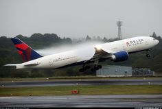 Boeing 777-232/LR - Delta Air Lines | Aviation Photo #2835038 | Airliners.net