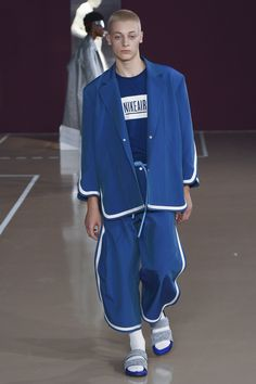 See the complete Pigalle Spring 2018 Menswear collection.