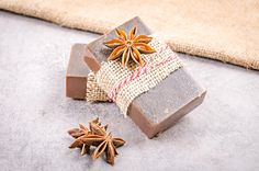 Ako si vyrobiť kakaové mydlo so škoricou - Šperkovo. Better Life, Soap, Gift Wrapping, Blog, Handmade, Gifts, Gift Wrapping Paper, Hand Made, Presents