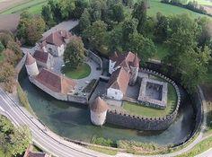Schloss Hallwil. Luftaufnahme Lutz Fischer-Lamprecht.