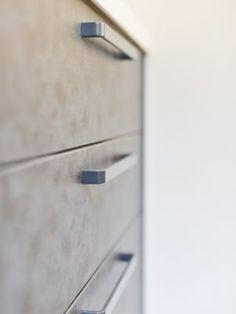 セラミック調が昨今大人気。木目と相性抜群です。#キッチン #扉柄 #設計 #自由設計 #注文住宅 #デザイン住宅 #工務店 #タチ基ホーム #名古屋 #愛知 Filing Cabinet, Storage, Furniture, Home Decor, Purse Storage, Decoration Home, Room Decor, Home Furnishings, Index Cards