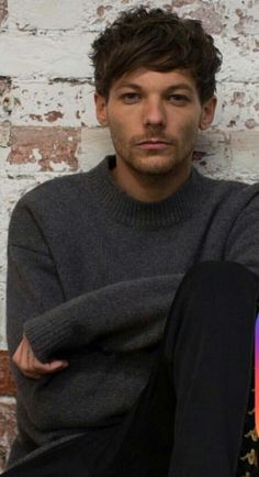 I die every time I see Louis' face Niall Horan, Zayn Malik, Best Song Ever, Best Songs, Bryan Adams, Nicole Scherzinger, Liam Payne, Harry Styles, Louis Y Harry