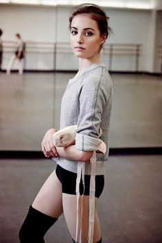 The Beginner's Guide to Barre Classes, Otherwise Known As Your Best Excuse to Play Ballerina