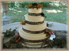 camouflage cakes | Camo wedding cake | Wedding
