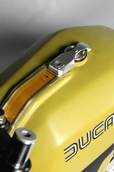 Ducati Tank | Oil Gauge
