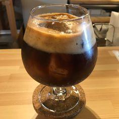 COFFEE WORKS PLUSのエスプレッソ・トニック。  昨年、暑すぎるから加えられたメニュー コーヒーとは思えない柑橘系の酸味と苦味は、コーヒーも果物である事を教えてくれます。