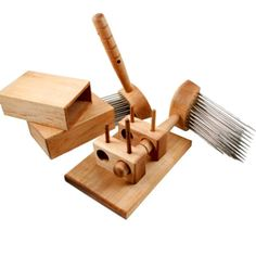 English Combs Set - 4 or 5 Pitch Maple- Includes Combs & Holder! | The Woolery