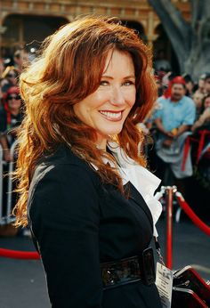 Mary McDonnell - Can I look like her when I am 60?! I mean, seriously though!?