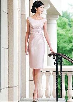 Modest Satin Scoop Neckline Sheath Mother of the Bride Dresses With Rhinestones