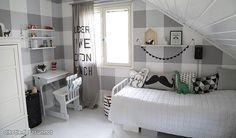 Lastenhuoneen sisustaminen - katso 3 esimerkkiä - Asuminen - Ilta-Sanomat Diy Desk, Shades Of Grey, Boy Room, Decoration, Girls Bedroom, Toddler Bed, Samana, Interior Design, Furniture