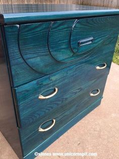 I saw an article on Hometalk featuring Unicorn SPiT Gel Stain and Glaze in One by Shimmershell's Eclectic Inc. and immediately knew I HAD to try this vibrantly colored wood stain. Solid Wood Dresser, Modern Dresser, Laminate Furniture, Painted Furniture, Refurbished Furniture, Furniture Ideas, Modern Furniture, Turquoise Furniture, Western Furniture