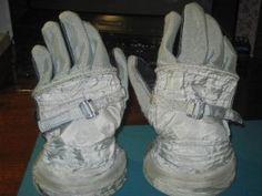 Cosmonaut Gloves